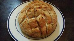Garlic and cheese stuffed bread