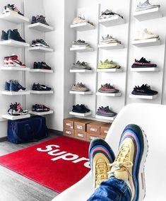 Sneaker Regale & Aufbewahrung DIY sneaker storage consisting of the Ikea lacquer shelf in white. Shoe Room, Shoe Wall, Shoe Closet, Sneaker Regal, Ikea Lack Regal, Sneaker Storage, Shoe Storage, Storage Ideas, Hypebeast Room