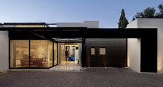 Which is the Ideal? House with one floor or two floors? : Modern Single Storey Residential Using Black Color