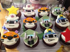 Our Decorated Cakes and Cupcakes: Blaze and the Monster Machines Cake and Cupcakes