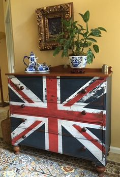 Union Jack Chest of drawers   Miss Mustard Seeds Milk Paint