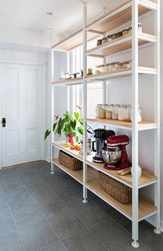 idea's for kitchen storage in front of low window - desire to inspire - desiretoinspire.net