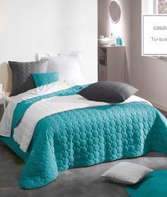 luxusne-dizajnerske-prehozy-na-postel-tyrkysovej-farby-1 Comforters, Blanket, Bed, Furniture, Design, Home Decor, Microfibre, Mattress, Linens