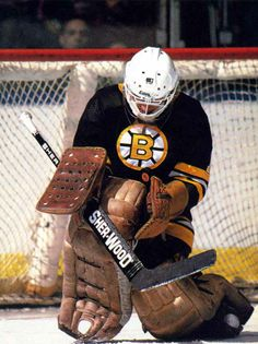 Goalie Gear, Goalie Mask, Hockey Goalie, Hockey Games, Ice Hockey, Bruins De Boston, Boston Bruins Goalies, Boston Red Sox, Poke The Bear