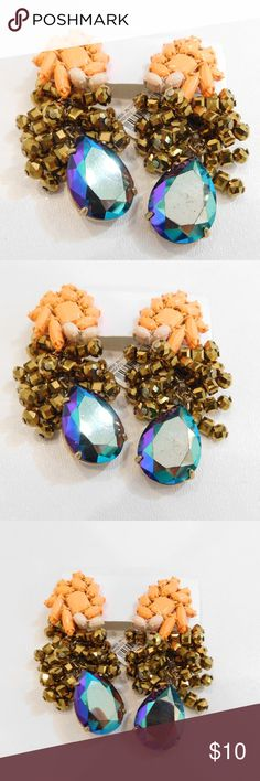 J Crew Mixed Media Drops Earrings Pretty earrings. They do have some faint scuffs. See all photos. Happy to answer any questions you may have. J Crew Jewelry Earrings