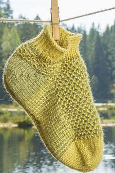 Kärjestä aloitettavat kohoneulesukat Novita 7 Veljestä | Novita knits