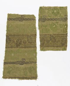 FRAGMENTS (ITALY), 14TH CENTURY  medium: silk, metallic threads technique: 2/1 twill patterned with plain weave Warp x Weft (a): 42.8 x 23 cm (16 7/8 x 9 1/16 in.) Warp x Weft (b): 29 x 19.5 cm (11 7/16 x 7 11/16 in.)