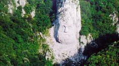 Capul lui Decebal, langa Orsova  25 de poze din frumoasa #Romanie (partea 1).  Vezi mai multe poze pe www.ghiduri-turistice.info  Sursa : pixdaus.com/decebalus-king-of-dacia-87106-a-c-romania/items/view/289772/