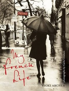 Hmm, I have the black stockings, the shoes, even a black coat, I have a French umbrella too but I am not getting the French vibe in Argent St lol Why is that??