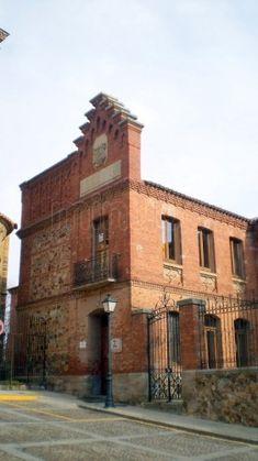 ** ARQUITECTURA ::: CONSTRUCCIÓN EN BARRO - Ladrillo - Vivienda de ladrillo principios s. XX en Benavente, Zamora