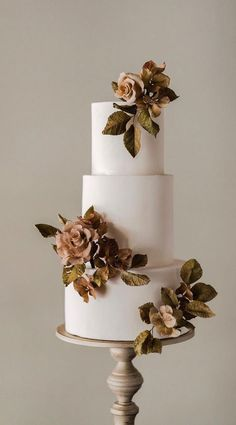 floral wedding cakes The 50 Most Beautiful Wedding Cakes, wedding cake ideas, pretty wedding cake Pretty Wedding Cakes, Black Wedding Cakes, Floral Wedding Cakes, Elegant Wedding Cakes, Wedding Cake Designs, Cake Wedding, Floral Cake, Elegant Cakes, Pretty Cakes
