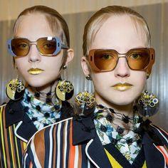 La bouche gold de Pat Mcgrath au défilé Prada de la Fashion Week de Milan