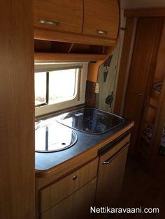 Nyt myynnissä LMC Munsterland 2004 -travel box. Klikkaa tästä kuvat ja lisätiedot vaihtoautosta.