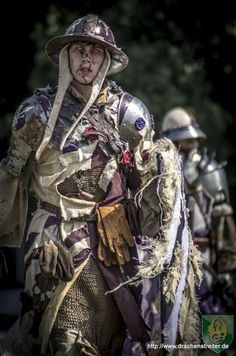 Another picture of [original Pinner] being undead! At the Conquest of Mythodea Lairdom Flowerfield of Untotes Fleisch Fantasy Armor, Medieval Fantasy, Fantasy Costumes, Cosplay Costumes, Conquest Of Mythodea, Undead Knight, Dystopia Rising, Renaissance, Vampire Counts
