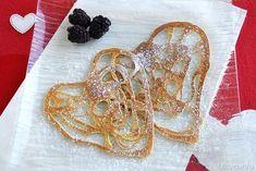 Crepes ricamate a cuore, scopri la ricetta: http://www.misya.info/2015/02/13/crepes-ricamate-a-cuore.htm