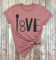 Make-up Liebhaber Svg – Lippenstift Svg – Mascara Svg – Make-up Pinsel Svg – Make-up Cut Datei – Make-up Svg Dxf P - Makeup Products Lipstick Vinyl Shirts, Tee Shirts, Bling Shirts, Love T Shirt, Shirt Style, Makeup Shirts, Mascara, Makeup Bundles, Direct To Garment Printer