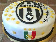 Torta decorata Juventus inviata da Silvia Borrotzu alla nostra App per smartphone. Clicca e scarica anche tu la nostra App e inviaci le foto delle tue torte e le tue ricette