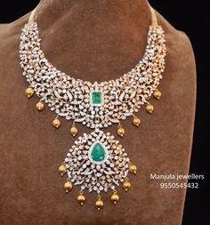 Diamond Necklace Simple, Indian Diamond Necklace, Emerald Necklace, Diamond Jewellery, Necklace Set, Gold Earrings Designs, Necklace Designs, Jewellery Designs, Locket Design