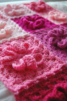 tillie tulip - a handmade mishmosh: More photos of the pink, patchwork flower blanket...