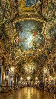 Hall of Mirrors - Palace of Versailles / Chateau de Versailles (Paris, France) Places Around The World, Oh The Places You'll Go, Places To Travel, Places To Visit, Travel Destinations, Palace Of Versailles France, Chateau Versailles, Visit Versailles, Beautiful Architecture