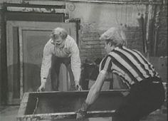 Andy Warhol making a serigraphy of Marlon Brando-click to go to page with full video Marlon Brando, Cultura Pop, Andy Warhol Pop Art, Diy Screen Printing, Arts Ed, Arte Pop, Art History, Printmaking, Stencil