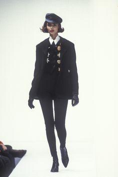 Dolce & Gabbana RTW F/W 1992 Dark Fashion, 90s Fashion, Runway Fashion, High Fashion, Fashion Show, Vintage Fashion, Fashion Looks, Fashion Outfits, Womens Fashion