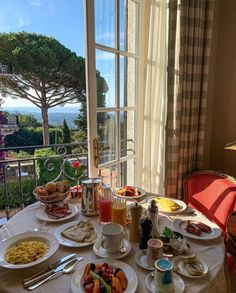 Image may contain: people sitting, table, tree, plant and indoor Summer Aesthetic, Travel Aesthetic, Aesthetic Food, Sky Aesthetic, Flower Aesthetic, Kpop Aesthetic, European Summer, Italian Summer, French Summer
