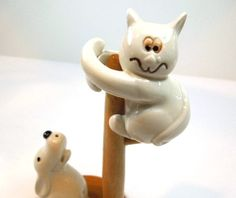 Vintage Fitz and Floyd Salt and Pepper Shakers, Ceramic Cat and Dog with a Wooden Post, Ivory White Ceramic