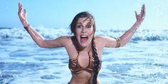 Para divulgar o filme Star Wars: O Retorno do Jedi, episódio que encerra a primeira trilogia em 1983, a atriz Carrie Fisher, intérprete da inesquecível Princesa Leia, posou para a