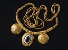 Necklace with pendant / Etruscan, 4th century BC