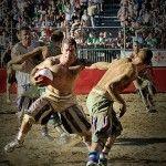 Calcio Fiorentino: ¿el deporte más violento del mundo? (VIDEO)