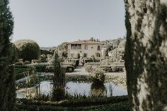 plan your wedding day at the majestic Villa Gamberaia, in the heart of Tuscany Best Wedding Planner, Destination Wedding Planner, Post Wedding, Plan Your Wedding, Wedding Locations, Wedding Events, Luxury Wedding, Dream Wedding, Italy Wedding