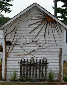 garden shed decor | Artistic decor gardening shed