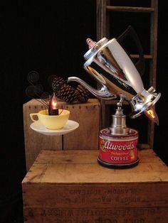 Rodger Thomas's Delightfully Eccentric Lamps - Neatorama