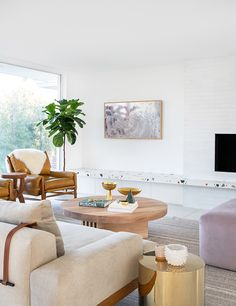 7 Home Basics Everyone Forgets to Buy, According to Emily Henderson - Decoration For Home Big Living Rooms, Living Room Trends, Living Room Designs, Living Spaces, Small Living, Inspiration Design, Living Room Inspiration, Design Ideas, Living Room Furniture