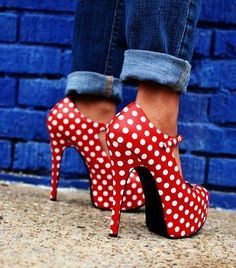 Polka dot high heels... very Minnie Mouse!