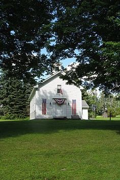 Worthington Historical Society Educates all Ages About a Community's Roots  At Worthington Historical Society real-life experiential education, blogs and online resources offer families a wealth of local history to support a wide assortment of learning. During the summer, walking tours offer families a chance to connect the dots between then and now.