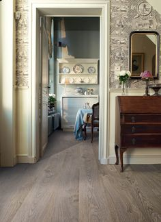 Nice greyish flooring - Quick-Step Elite old oak light grey planks - not too expensive