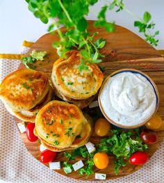 Pannkakor med fetaost - ZEINAS KITCHEN Vegan Vegetarian, Vegetarian Recipes, Camembert Cheese, Breakfast Recipes, Avocado, Dairy, Food And Drink, Veggies, Dinner