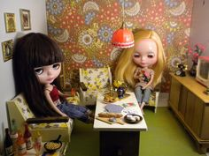 cheap retro kitsch room ~ Naralna @ flickr