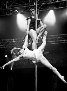 Arabesque hang Pole Dance Doubles hold