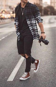 Macho Moda - Blog de Moda Masculina: 3 Dicas para PERDER O MEDO de Usar Peças Diferentes e ter mais CONFIANÇA VISUAL! Best Casual Shirts, Mens Fashion Suits, Men's Fashion, Fashion Menswear, Men Fashion Casual, Fashion Shirts, Urban Fashion Girls, Men Summer Fashion, Fashion Styles