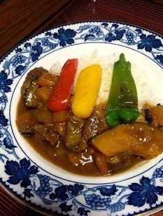 夏野菜はトマト、カボチャ、ナス、ゴーヤ、玉ねぎ、ピーマン、パプリカ。野菜たっぷりです! - 14件のもぐもぐ - 夏野菜のビーフカレー by hirokyun16