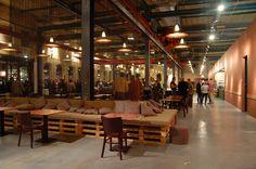 Mueblesdepalets.net: Muebles de palets: Restaurante en Amsterdam amueblado con muebles hechos con materiales reciclados