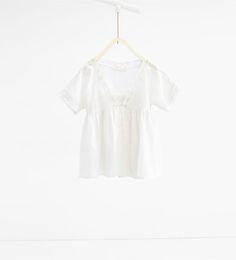 изображение 1 из Блуза с кружевной отделкой от Zara