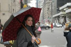 New York City cab hailing is way better when you get to stay out of the #rain! Jonas #umbrellas mission is to bring clean water to those in need! #jointhemovement #fashionwithapurpose #NYC