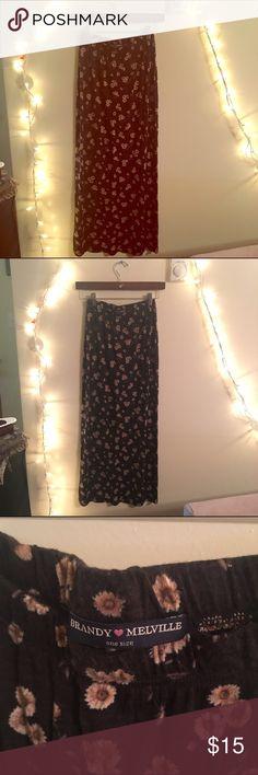 Brandy melville sunflower maxi skirt Like new no wear brandy melville maxi skirt in sunflower print. One size. Brandy Melville Skirts Maxi