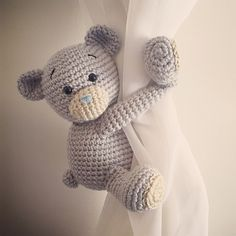 This teddy bear can be made using worsted weight (aran) yarn or double knit yarn