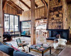 Amazing fireplace in the living room  Cheminée avec manteau en lambris de vieux bois