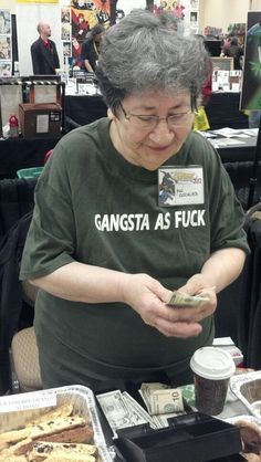 This old lady probably enjoys Wu-Tang Clan. | 27 T-Shirts That Tell You Everything You Need To Know